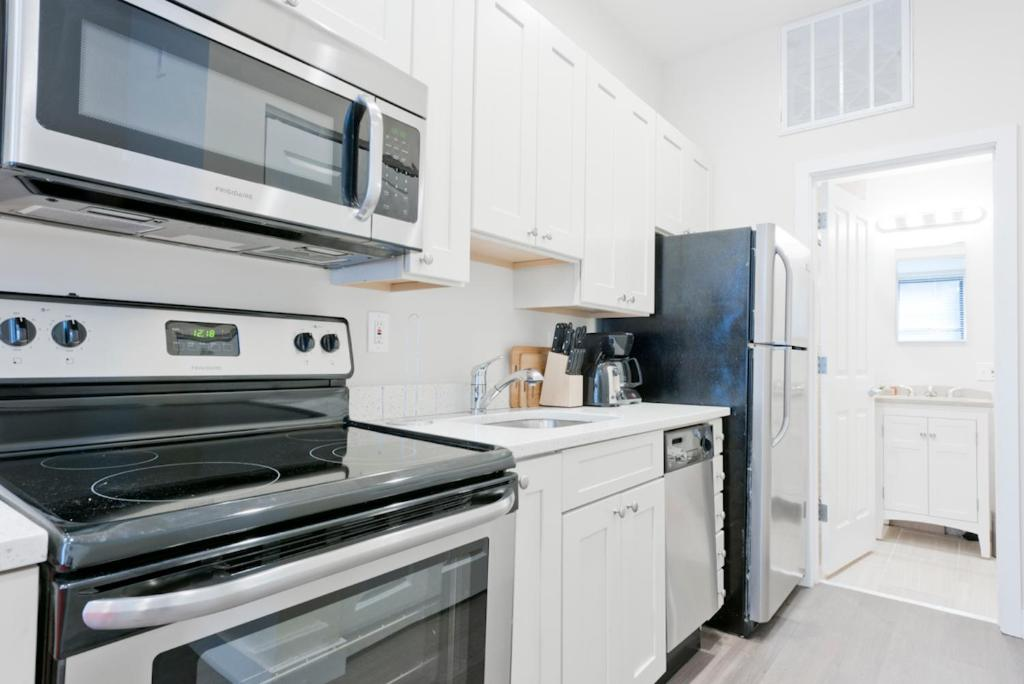 apartment one bedroom. Gallery image of this property Apartment One Bedroom on Arch Street Apt 3D  Boston MA Booking com