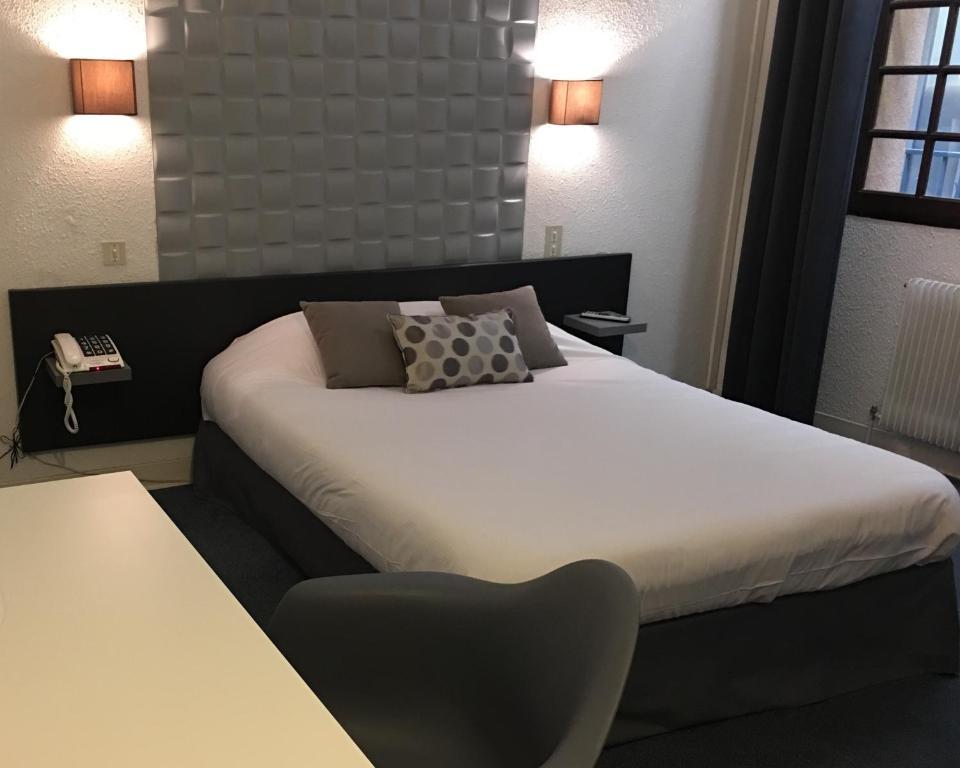 best htel de la loge perpignan france deals with ambiance. Black Bedroom Furniture Sets. Home Design Ideas