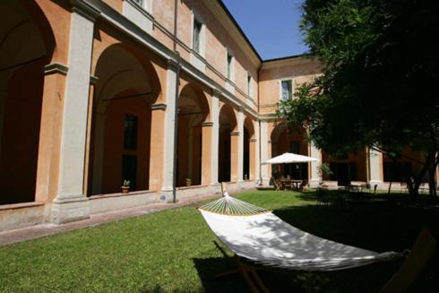 Student 39 s hostel della ghiara reggio emilia prezzi for Subito it reggio emilia arredamento