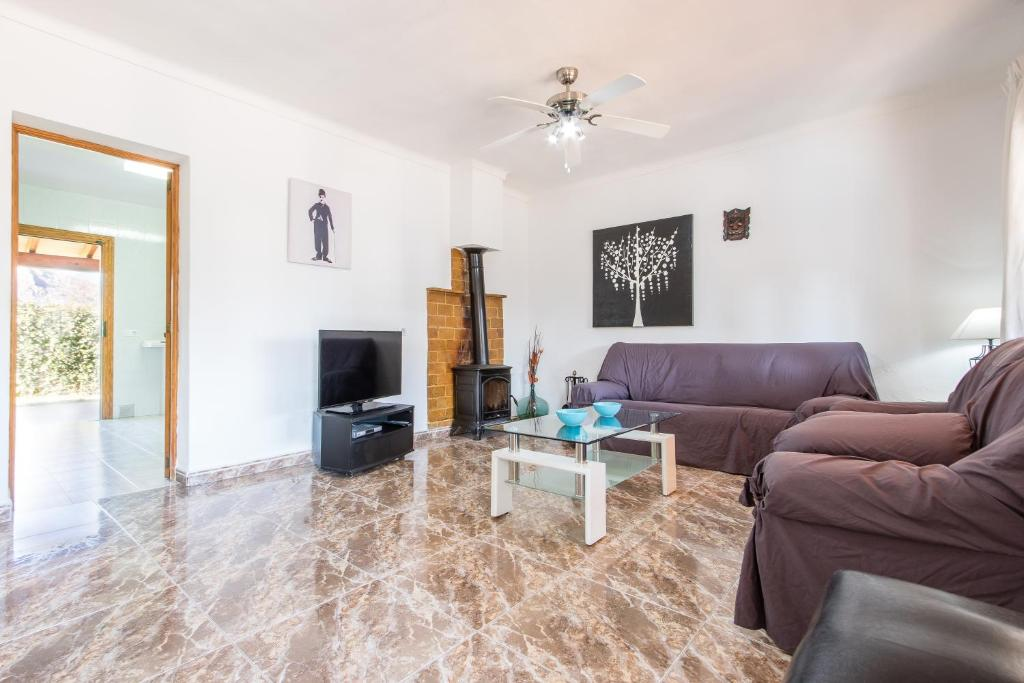 Chalet Falcó with Private Pool and Garden, Puerto de Alcudia ...