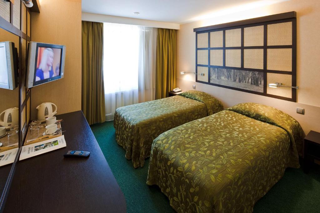 В гостинице всего номеров, но все они имеют высокий уровень комфортности, независимо от тарифа — стандарт, студия или люкс.