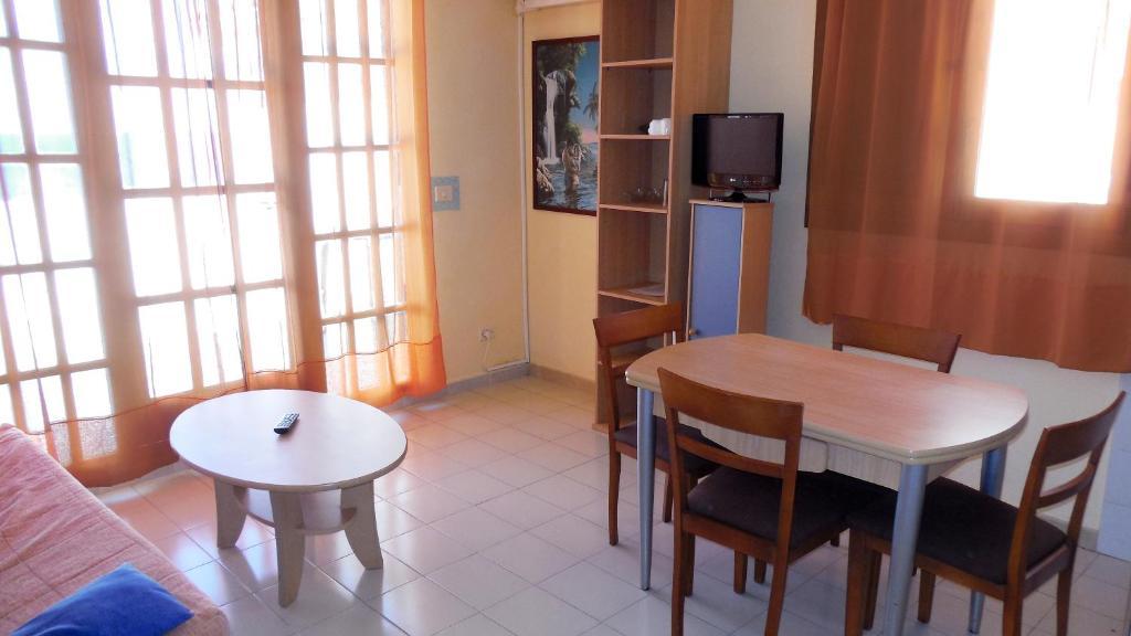 Foto del Apartamentos Playa Romana Lowcost 3000