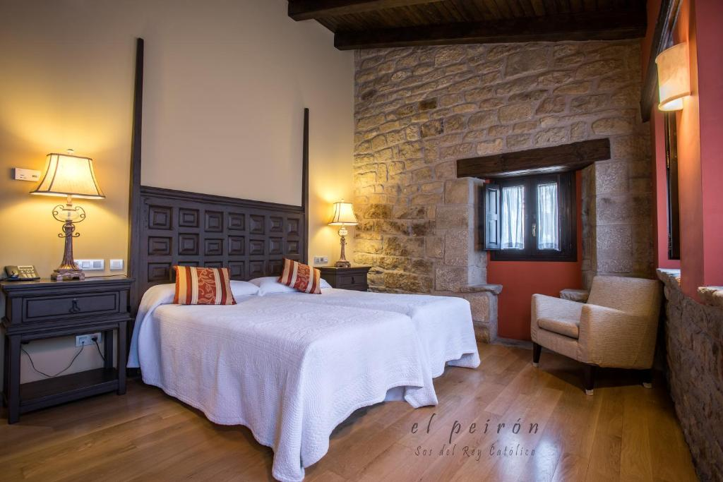 boutique hotels in sos del rey católico  24