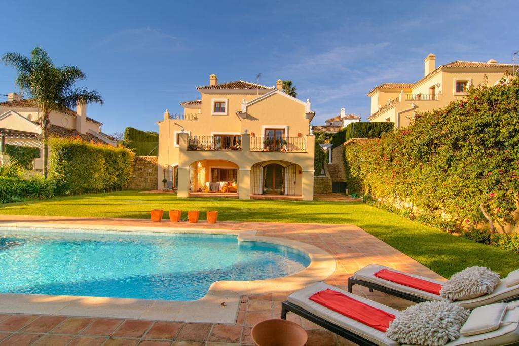 Villa El Paraiso Estepona