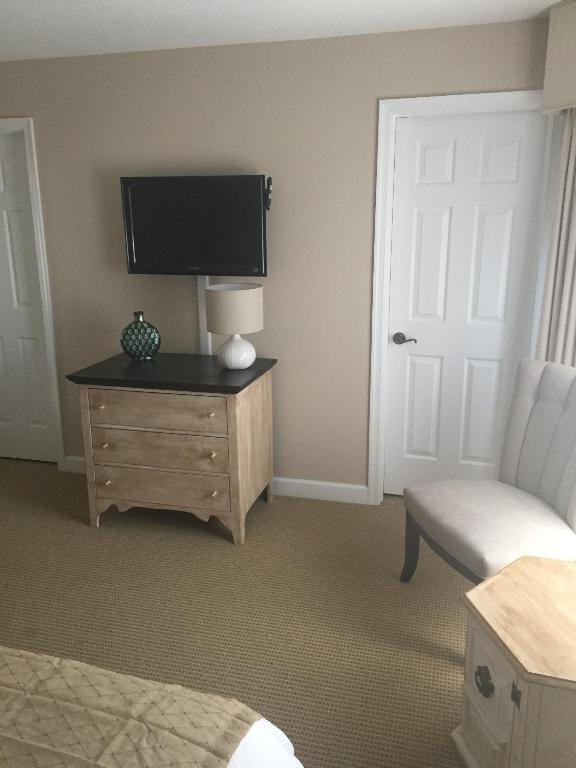 Stunning 2br kingsmill condo in williamsburg va va for 2 bedroom suites williamsburg va