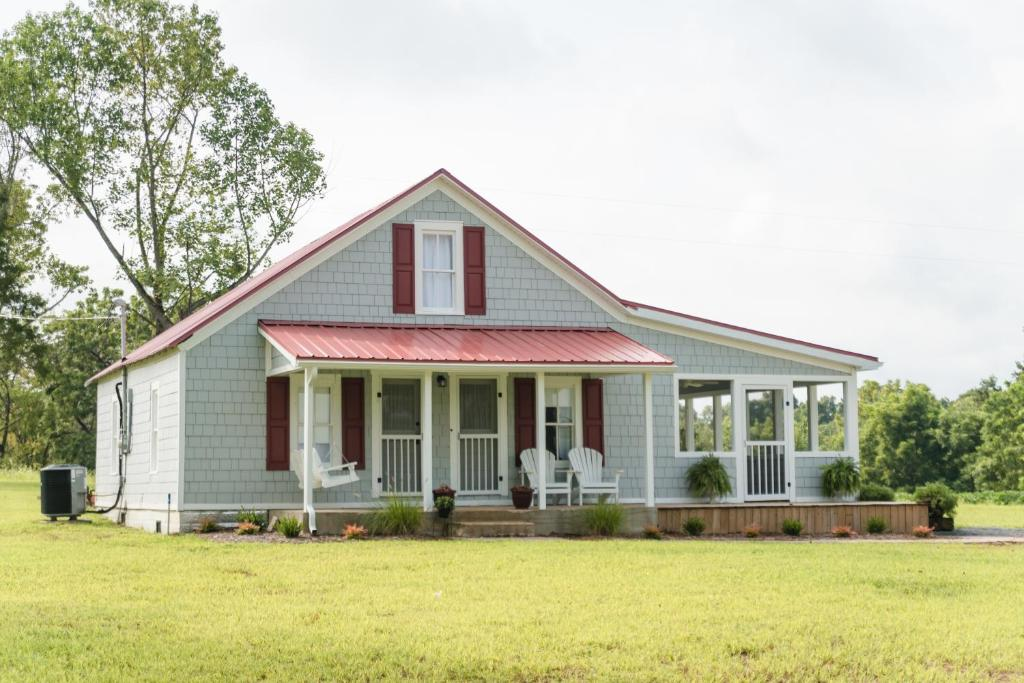 The little farmhouse columbia updated 2018 prices for Thornton builders modern farmhouse plan