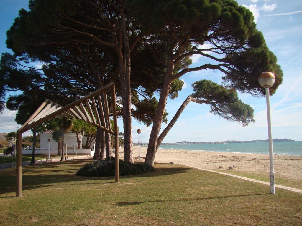 Apartamento Playa Esquirol imagen