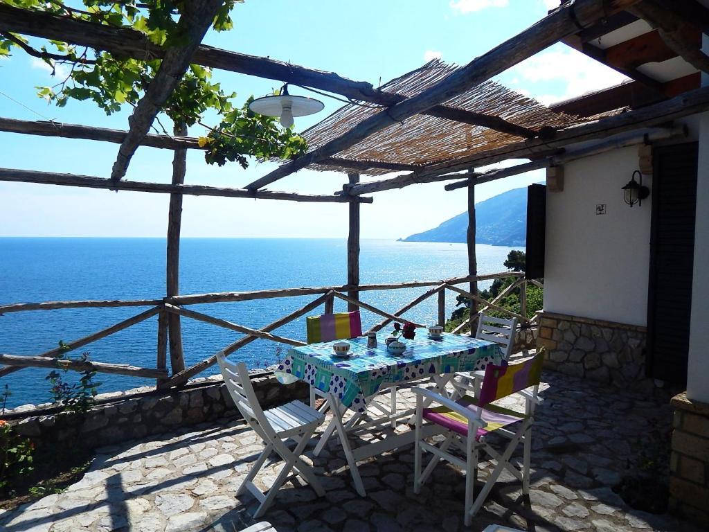 Vasca Da Bagno Amalfi Prezzo : Amalfi view cottage amalfi u prezzi aggiornati per il