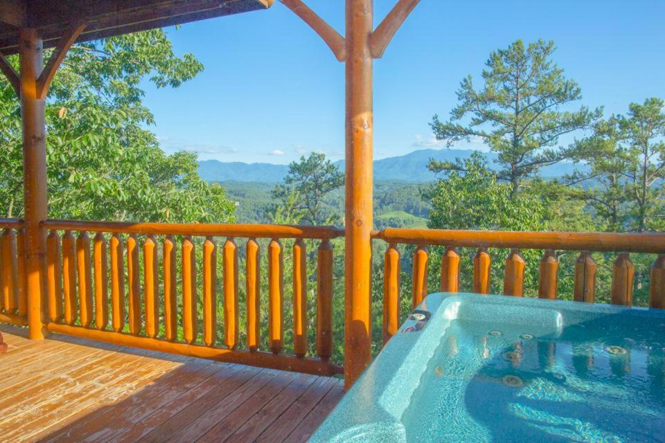 Vacation Home Misty Blue One Bedroom Cabin Pigeon Forge Tn Booking Com