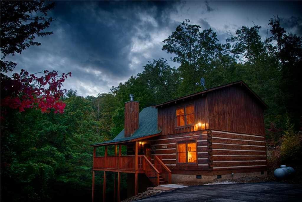 Vacation home time for two two bedroom cabin gatlinburg tn for 2 bedroom hotels in gatlinburg tn