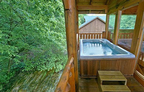 Vacation Home Creekside Romance One Bedroom Cabin Mccookville Tn Booking Com