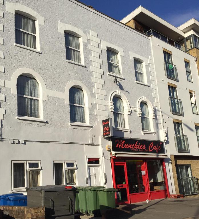 Apartment Studio 7 Queens Road, London, UK