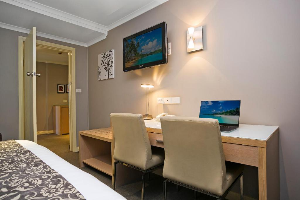 Hotel sanctuary inn tamworth australia booking com
