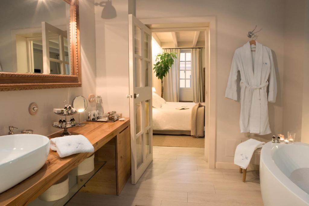 boutique hotels menorca  79