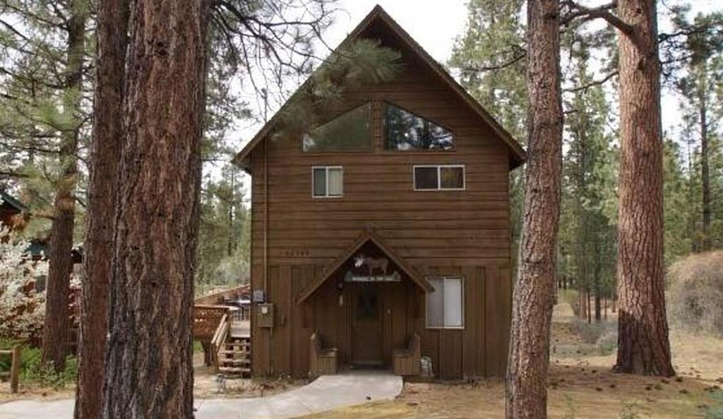hotel snowcrest by big bear cool cabins big bear lake ca. Black Bedroom Furniture Sets. Home Design Ideas