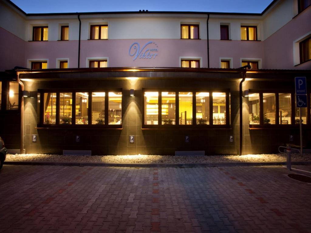 hotel viktor bratislava slovakia booking