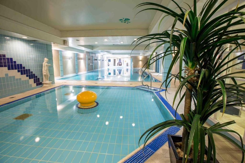 The swimming pool at or near Anner Hotel