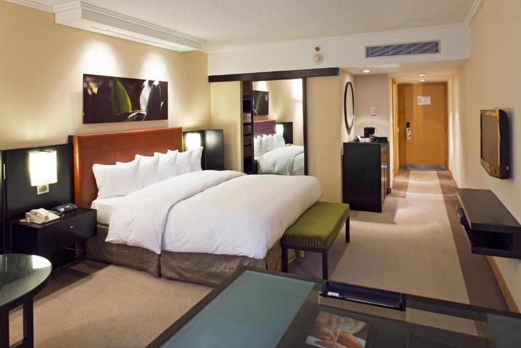 hilton hotel differentiation