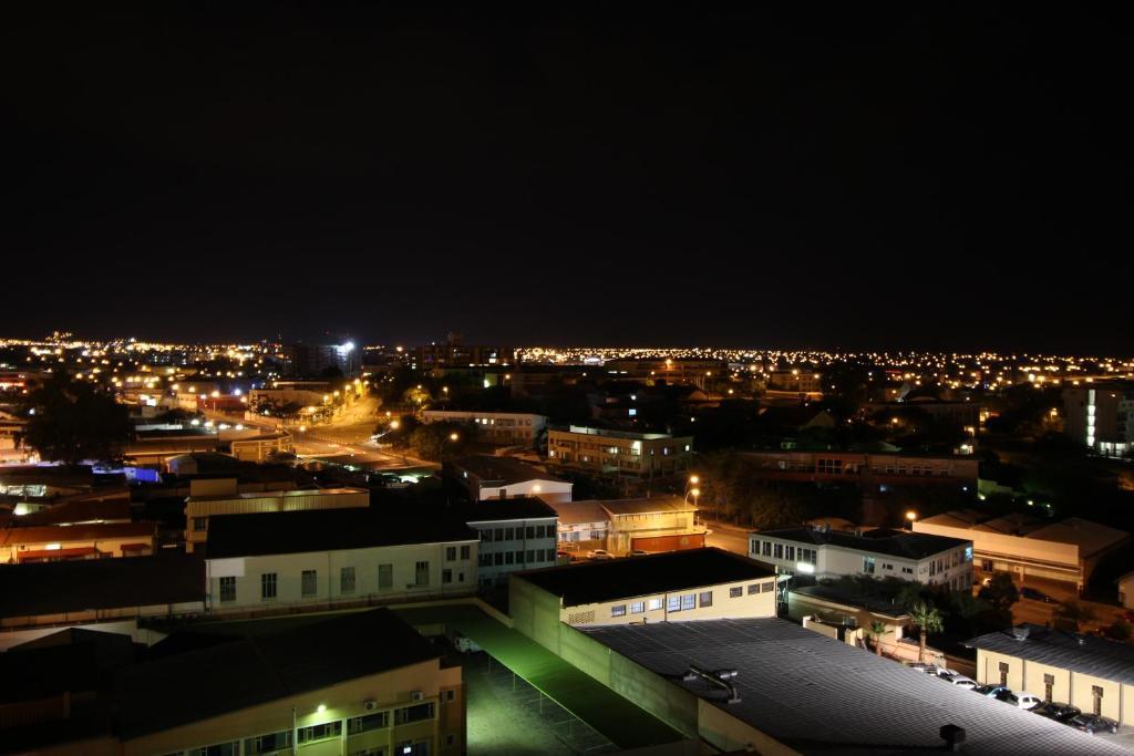 Klein Windhoek datant Combien de fois devriez-vous parler à un gars que vous venez de commencer à dater