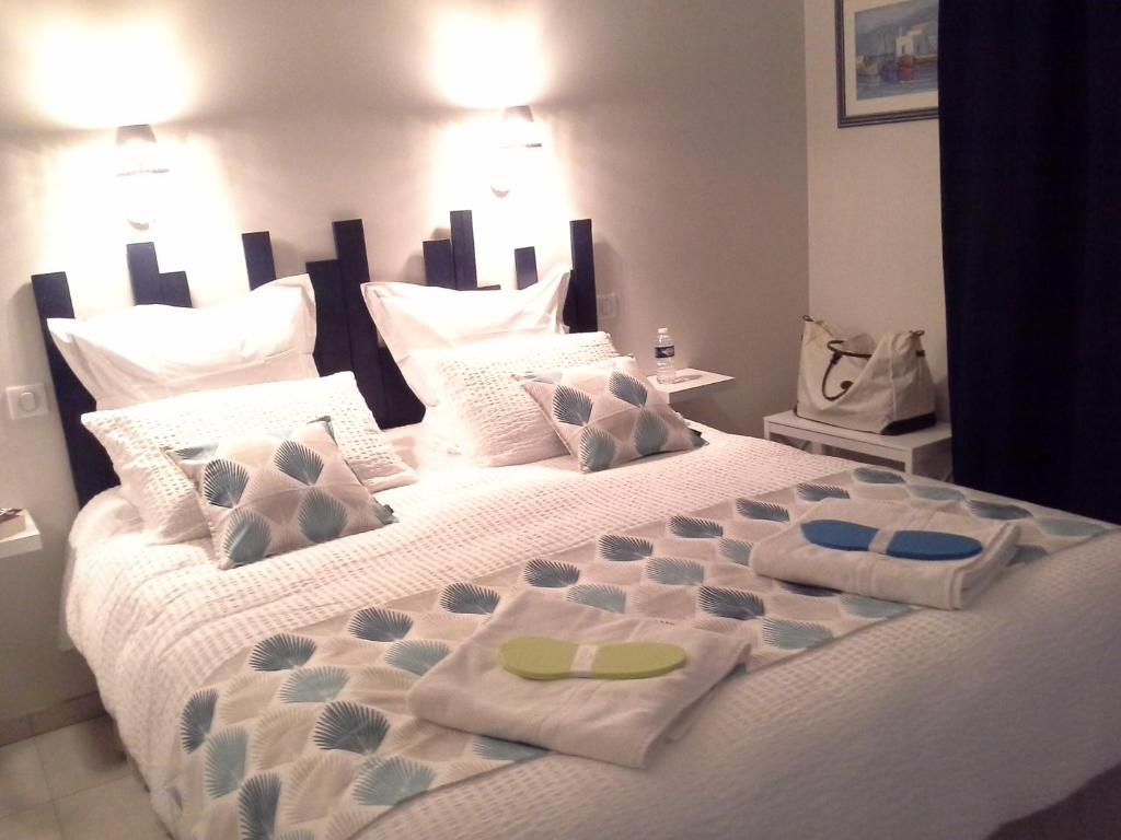 bed breakfast crisalys chambres d 39 h tes frankreich pessac. Black Bedroom Furniture Sets. Home Design Ideas