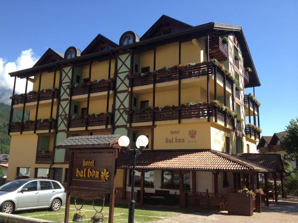 Hotel dal bon andalo italy for Bon plan reservation hotel