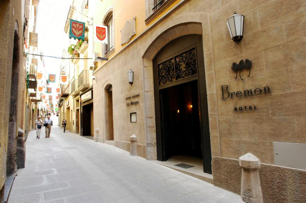 boutique hotels in cardona  1
