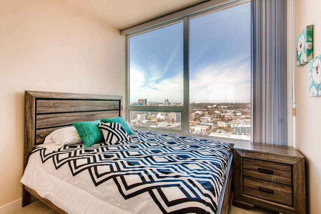 Apartment best views of downtown san diego ca - Best apartments in san diego ...