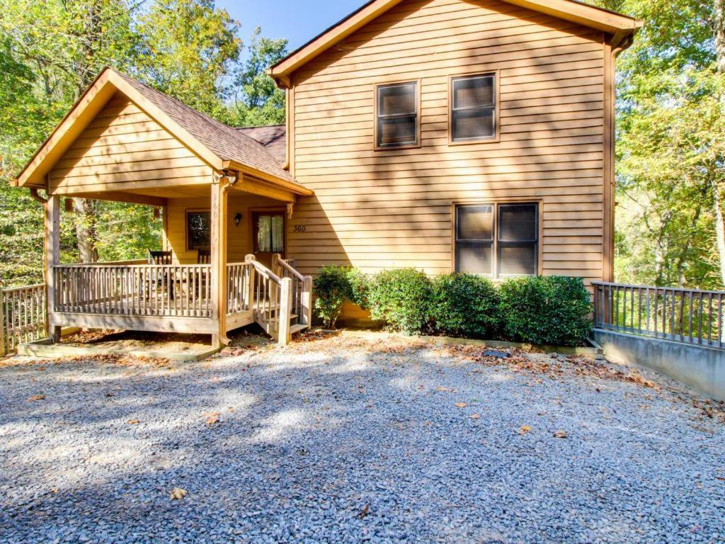 Vacation Home Artist's Retreat, Roundtop, GA - Booking.com on