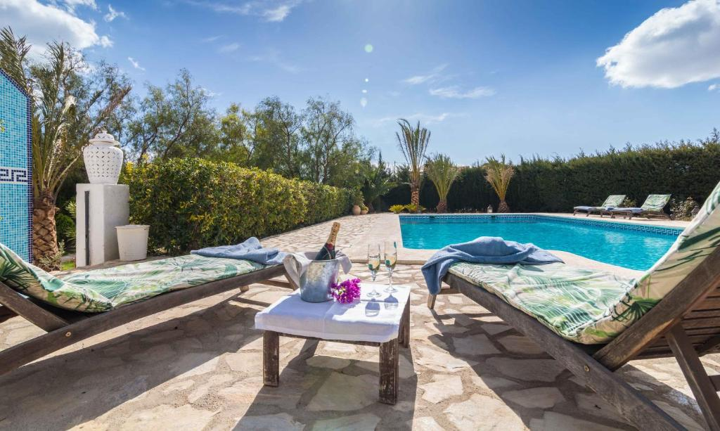 hotels with  charm in aigues  1