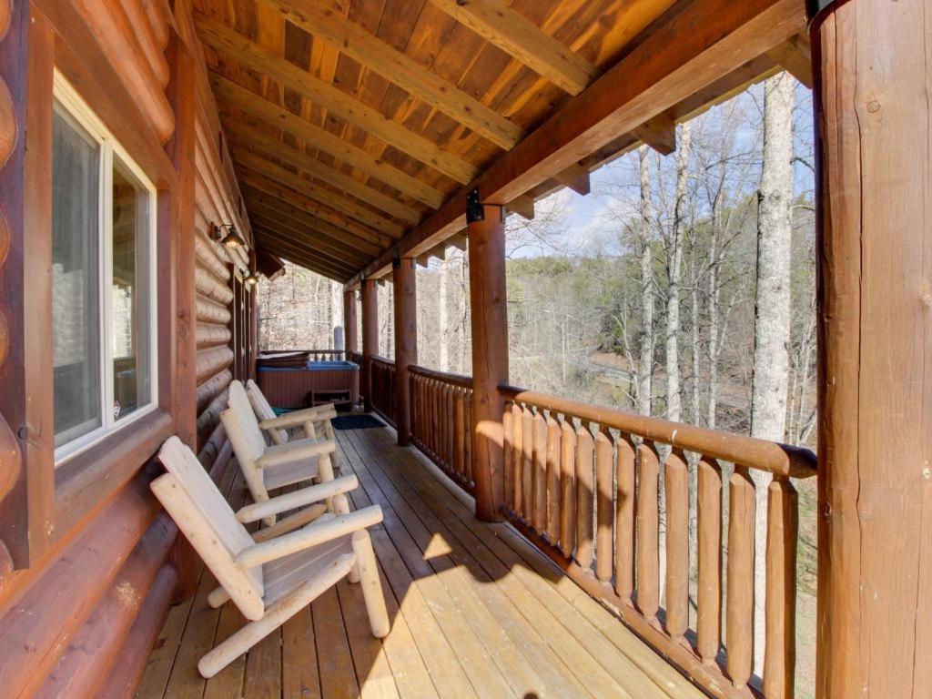 Moose Lodge, Cove Creek Cascades, TN - Booking.com