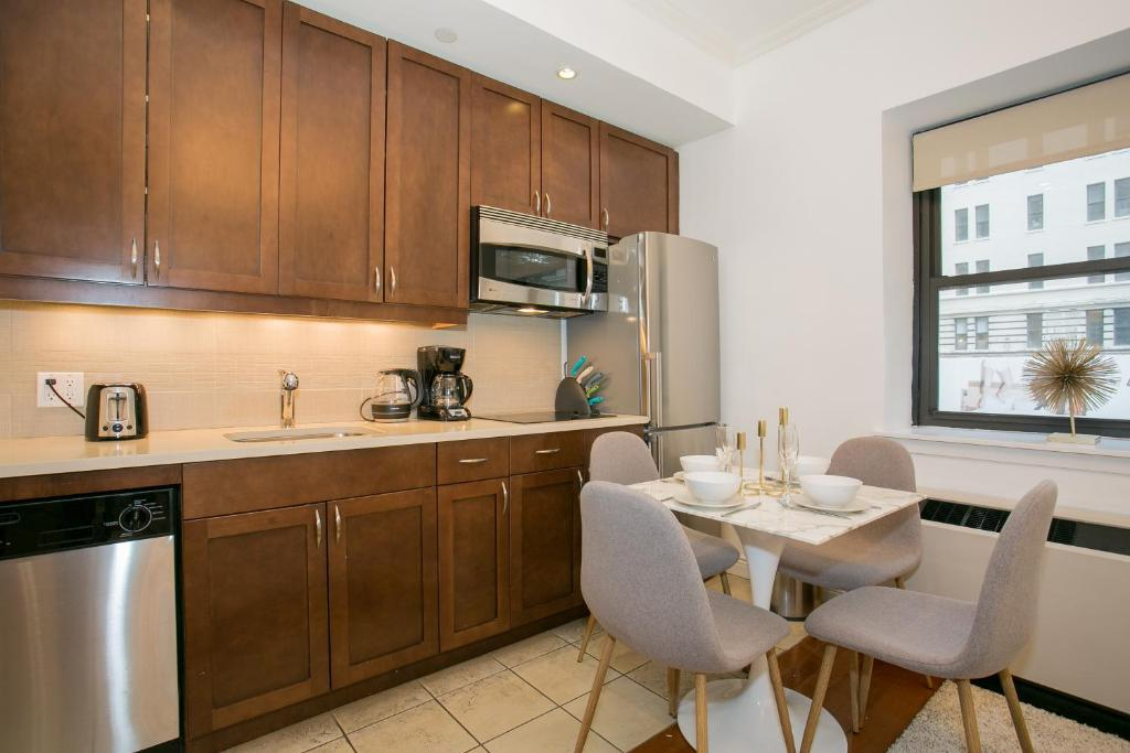 Luxury one bedroom apartment macy 39 s herald square new - Luxury hotels near madison square garden ...