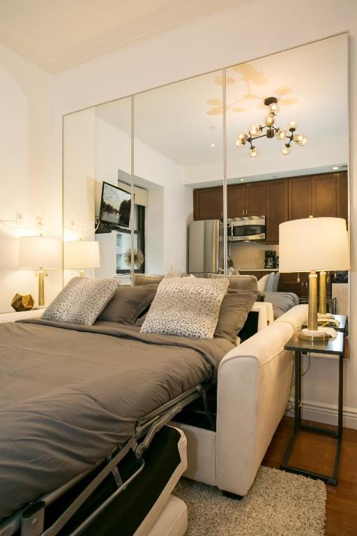 One Bedroom Nyc Apartment With A New Born Baby: Luxury One Bedroom Apartment