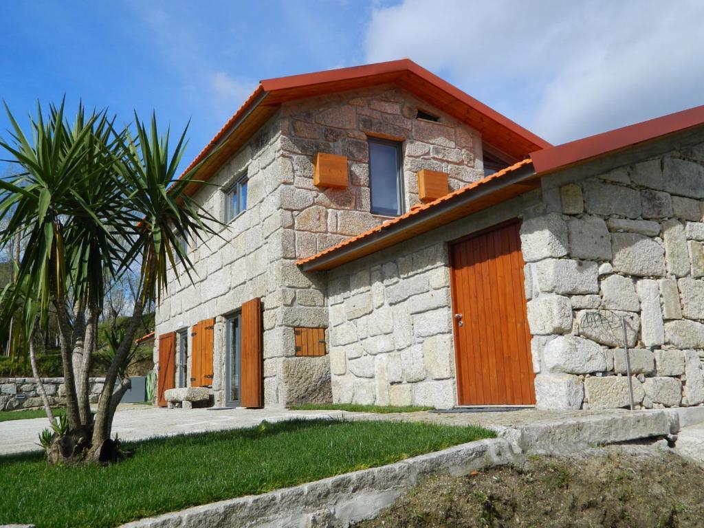 Casa de f rias casas do telhado portugal castel es for Booking casas
