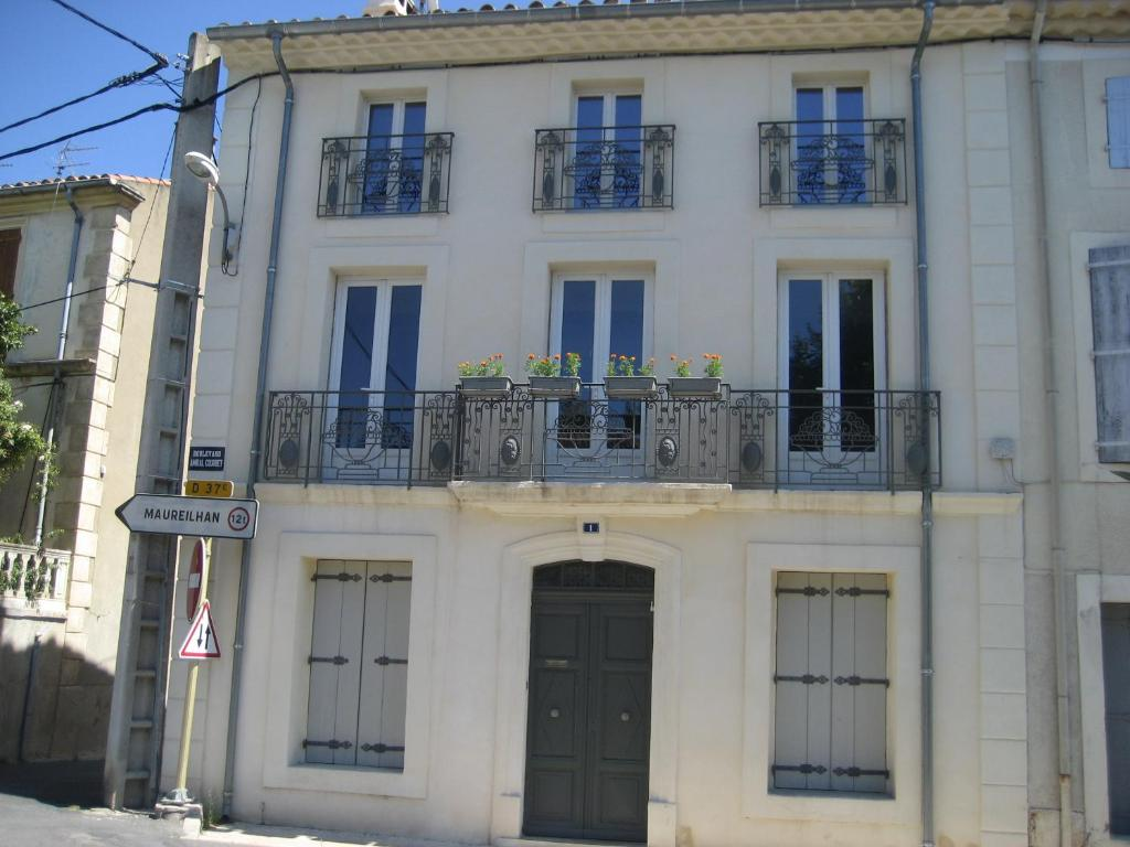 Apartments In Pierrerue Languedoc-roussillon