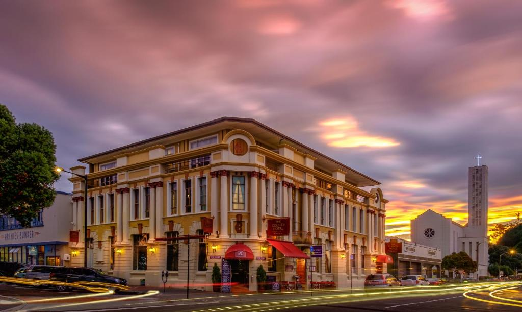 the county hotel napier new zealand booking com