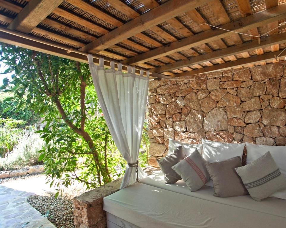 boutique hotels in formentera  13