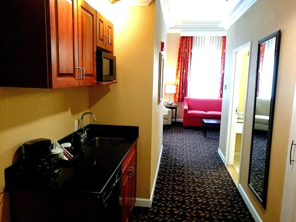 The Wilshire Grand Hotel West Orange Nj Bookingcom