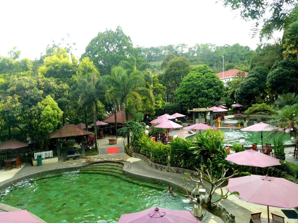 A view of the pool at Gracia Spa Resort Hotel or nearby