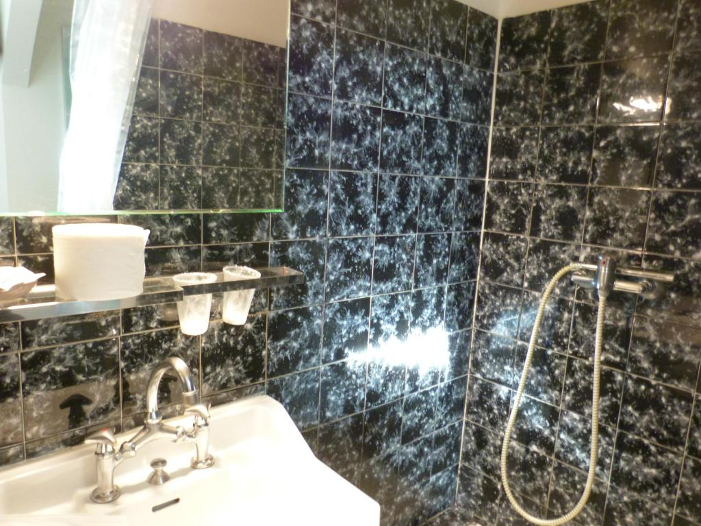 blue hotel, la seyne-sur-mer, france - booking