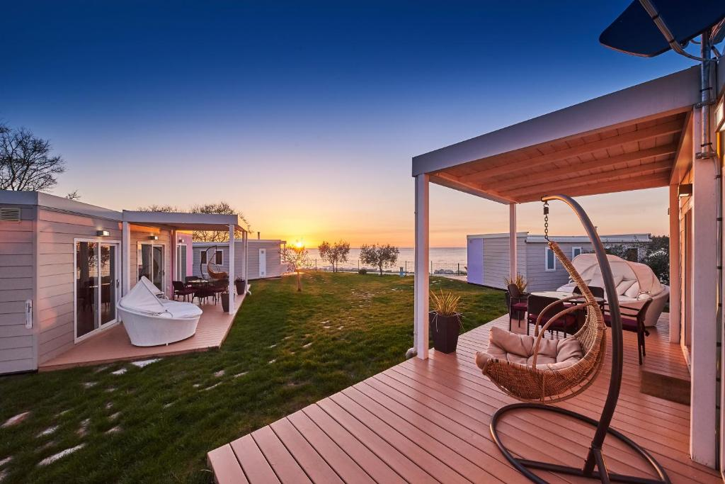 mobile homes sunset beach umag posodobljene cene za. Black Bedroom Furniture Sets. Home Design Ideas