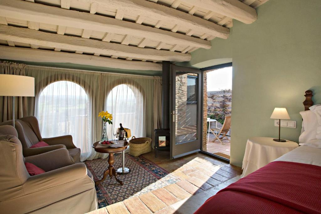 hotels with  charm in casavells  9