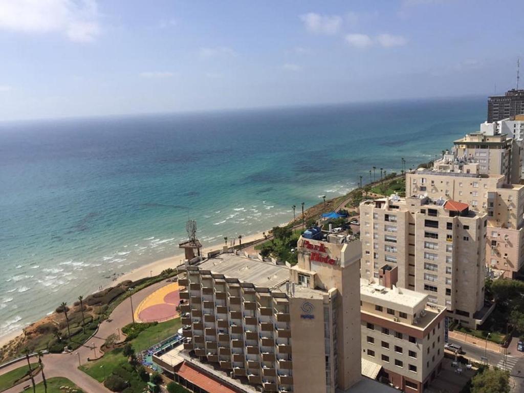 Luxury apartment david hamelech netanya tarifs 2018 for Appartement israel netanya