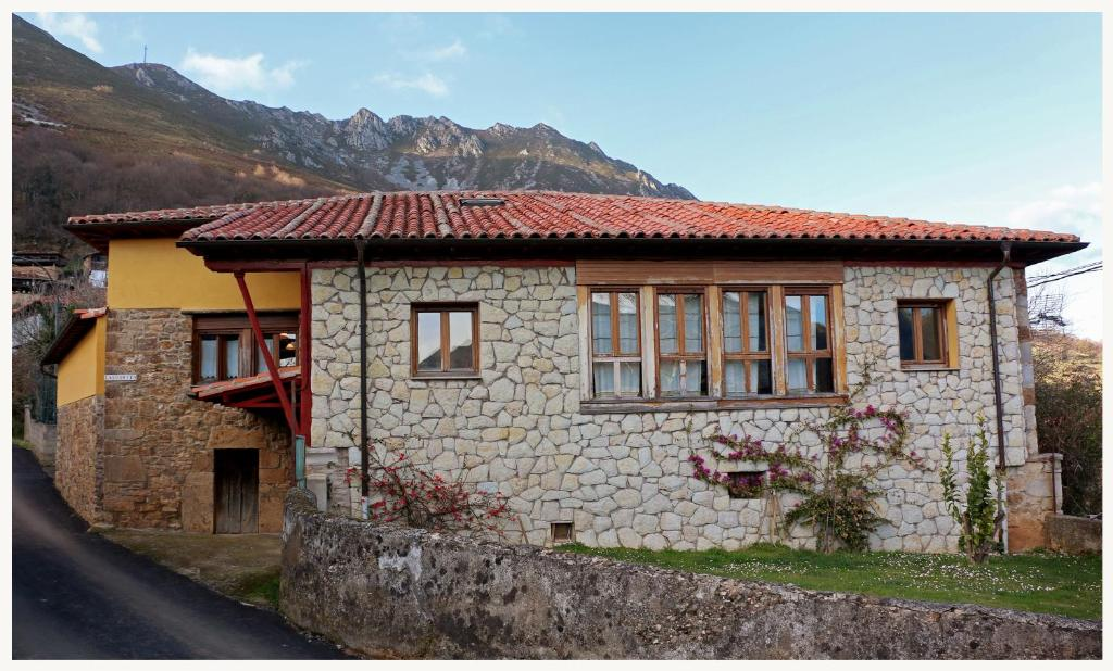 Country House Casa L´Andorvio, Leiguarda, Spain - Booking.com