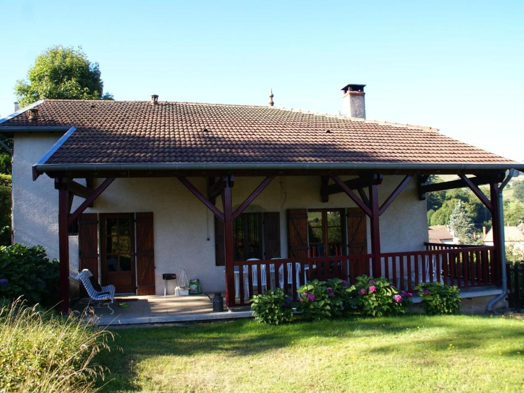Maison de vacances saint pierre le vieux saint l ger for Maison pierre
