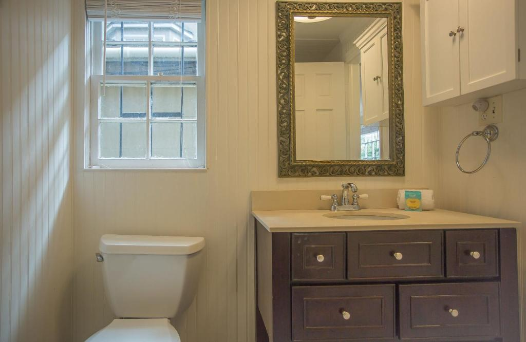 Chatham square garden apartment one bedroom savannah - One bedroom apartments pooler ga ...