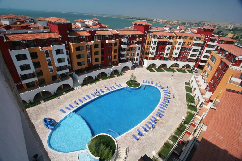 Апартамент Menada Апартаментs in Marina Cape - Равда