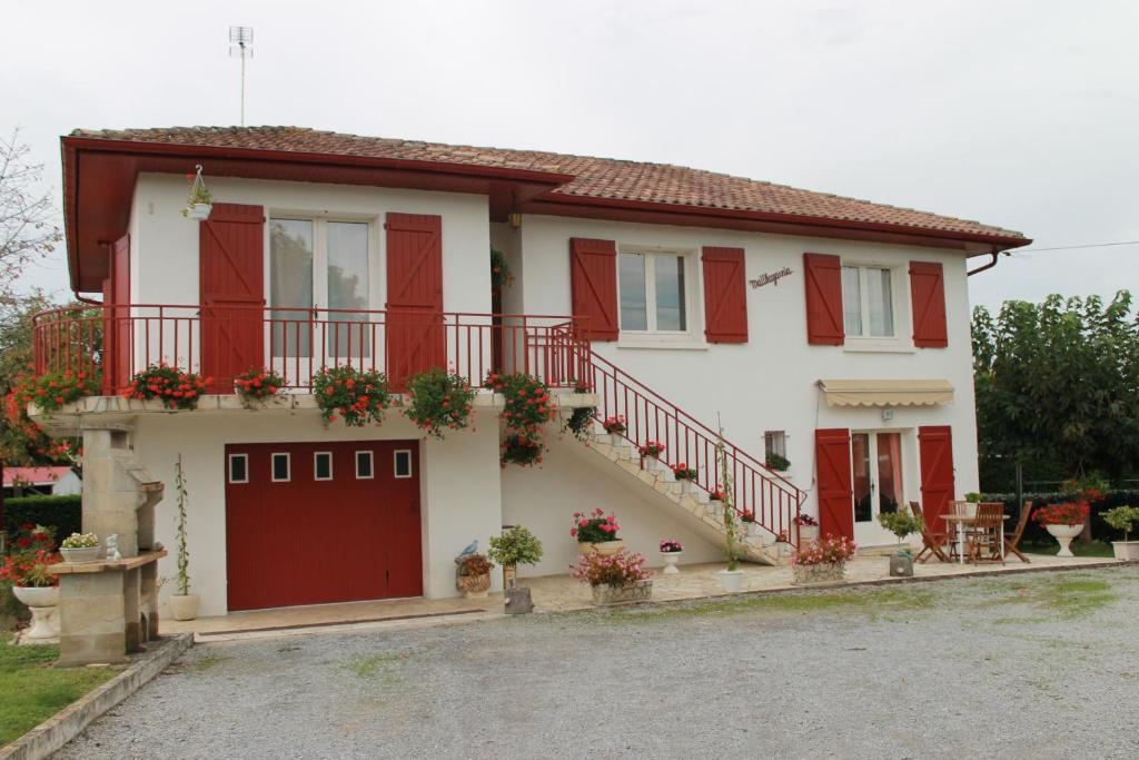 Apartments In Ostabat-asme Aquitaine