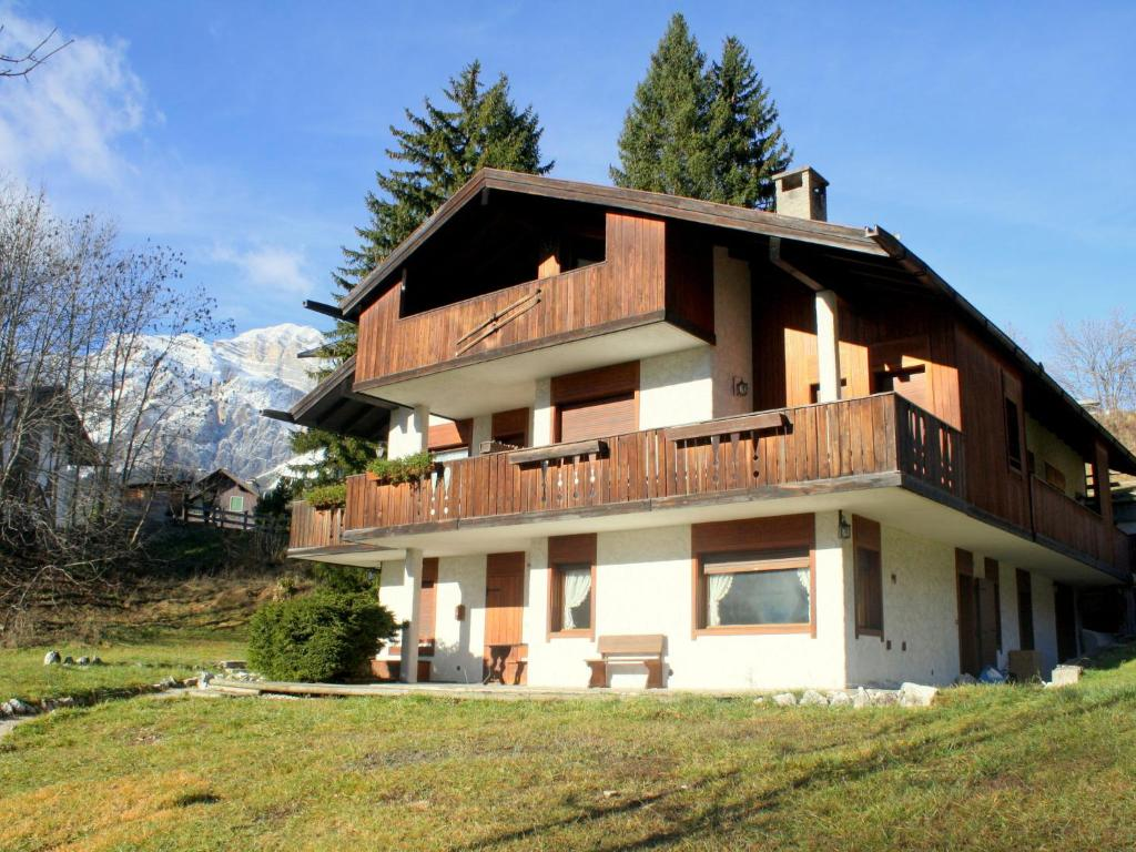 Properties in Cortina dAmpetstso buy cheap