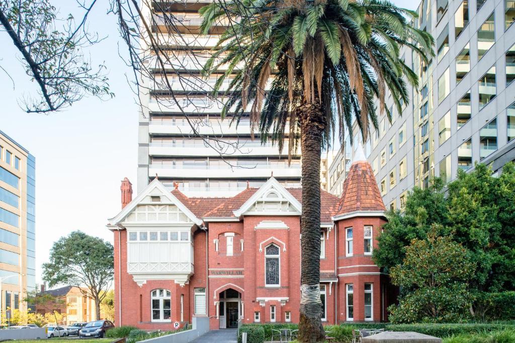 Condo Hotel Season Heritage Melbourne Australia Booking Com