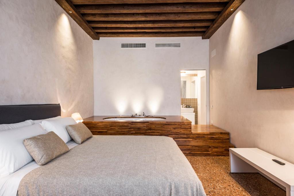 Ufficio Per Carta Venezia : Myplace campo santa margherita apartments venezia u2013 prezzi